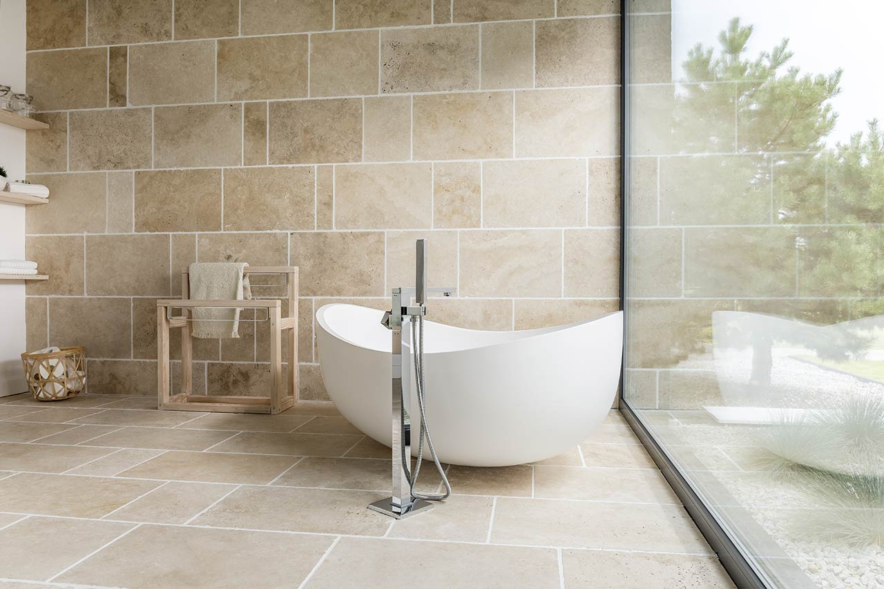 https://hampton.co.uk/wp-content/uploads/2019/01/contemporary-bathrooms.jpg