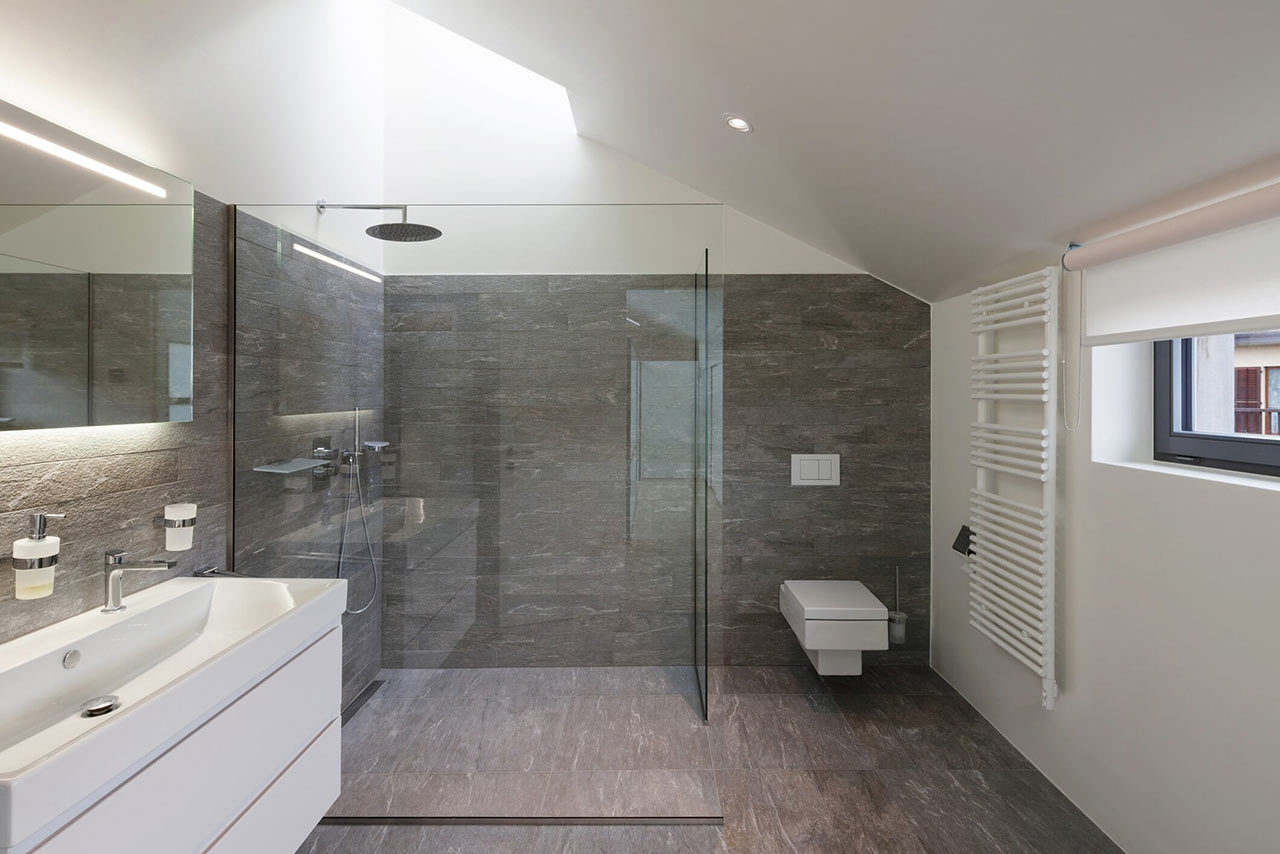 https://hampton.co.uk/wp-content/uploads/2019/01/shower-units-and-doors.jpg