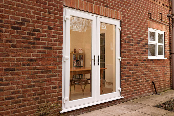https://hampton.co.uk/wp-content/uploads/2019/12/french-doors-img-2.jpg